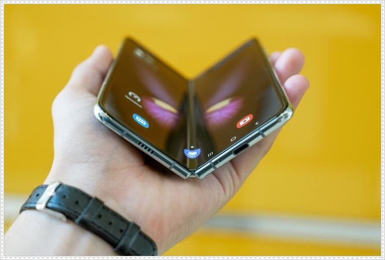 Galaxy Z Fold Lite Özellikleri